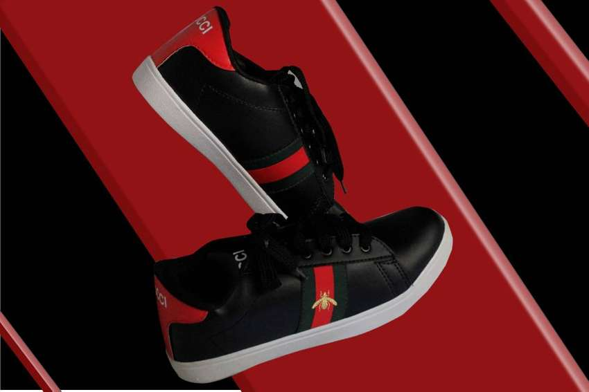 Gucci Shoes For Unisex 0