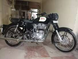 BS4..Classic 350cc only 6 month used in two year.