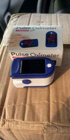 Oximeter for measuring oxygen level