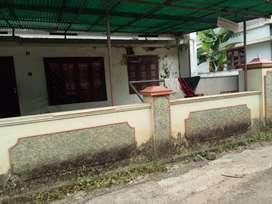 Kizhakkambalam town 300meter old house,plot 9 cent,
