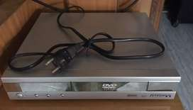 dvd player along with imported home theatre speakers