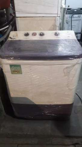 Videocon 7.2 kg used semi automatic washing machine