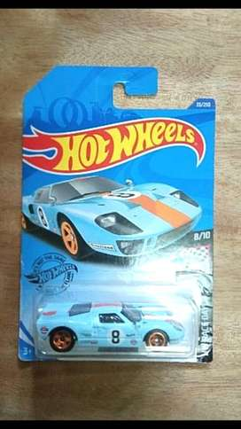 Mainan mobil buat hadiah