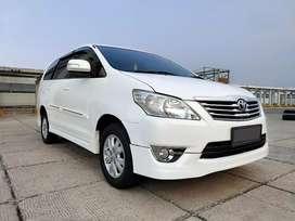 Toyota Innova G Lux capt seat 2013