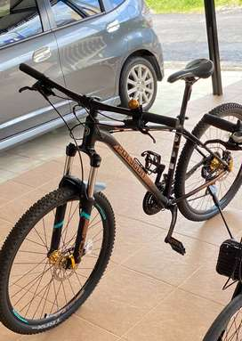 Sepeda MTB Polygon Premier 4