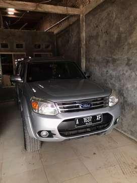 Dijual Ford Everest NIK M/T 2014 nego sampai jadi