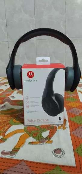 { Motorola pulse escape } bluetooth headphone with amazon alexa enable