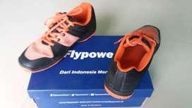 Dijual sepatu badminton flypower no 41