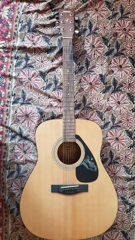 Yamaha F310 Guitar, Very Good Condition with cover and new strings