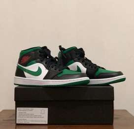 Air jordan 1 mid pine green
