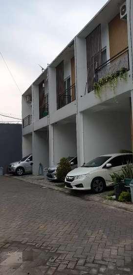 Rumah Cinere, lokasi bagus, dekat informa (living plaza)