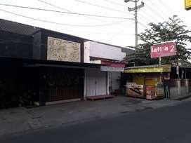 Rumah dengan space ruang usaha di Condongcatur, Sleman, Yogyakarta