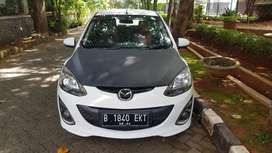 Mazda 2 Putih Tipe V Automatic Transmission (A/T) Tahun 2013