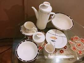 DINNER SET  BONE CHINE ENGLAND