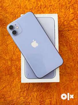 I phone 11 refurbished phone available at best rate with all accessori