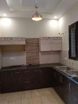 110yard luxury flat for sale at sunny enclave sector 125