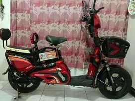 Sepeda Listrik INDOBIKE AKASIA Merah Maroon