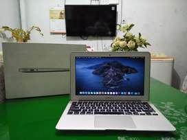 MACBOOK AIR-11, MID 2012, FULLSET CORE i5, RAM 4GB HD 4000, SSD 128GB
