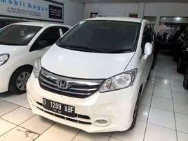 Honda Freed PSD AT 2013, Putih mulus