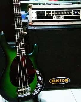 Bass Musicman aktif dan headCabinet