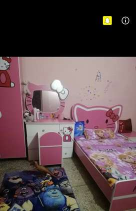 Complete bed room set for girl