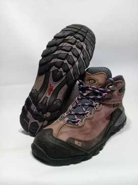Sepatu outdoor K2