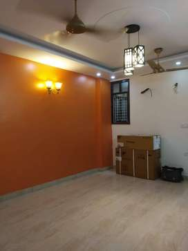 3bhk Square size with lift & full Car parking in C-Block,Mohan Garden