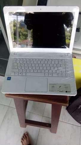 Laptop asus vivobook slim 14 in normal mulus dan bersegel