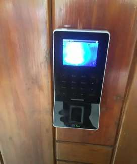 Homes & official RFID & BIOMETRIC ACCESS CONTROL DOOR LOCKS ELECTRIC