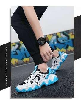 Tren Sepatu Sneakers Tali Unisex Kombinasi Putih