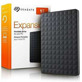 Seagate Expansion - 1TB Portable External Hard Drive - USB 3.0