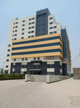 In prime location office area 1002 sq ft for rent