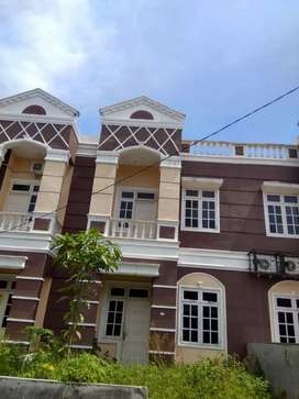 Rumah townhouse 2 tingkat