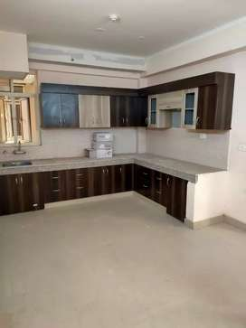 For rent 3 BHK apartment in Noida Extension
