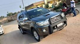 4000/day only fortuner self drive cars
