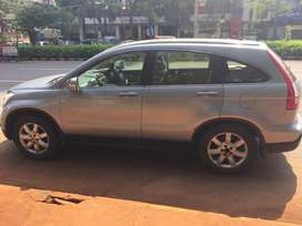 Automatic 4 wheel drive spacious suv of doctor.urgent sale as shifting