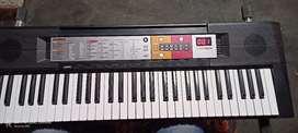 Yamah PSR f50 keyboard instrument