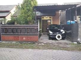 Di kontrakan rumah Kota Mataram khusus Muslim