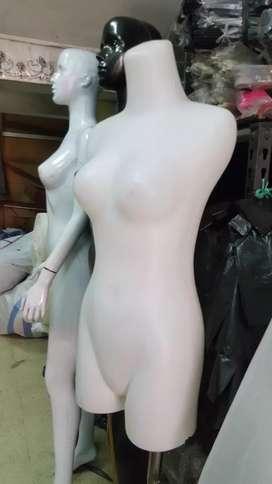 Manekin baju senam untuk wanita