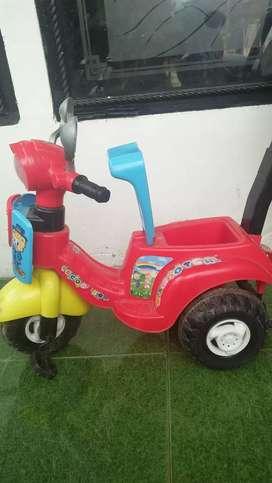 Sepeda vespa anak