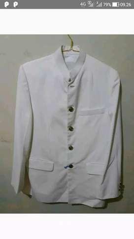 1 stel jas dan kebaya untuk akad nikah