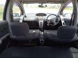 Dijual Cepat Toyota Yaris E  Matic 2011 mulus mantap bersih luar dalam