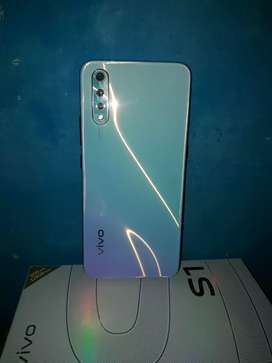 40 day use phone vivo s1 6 gb ram 128 storeg