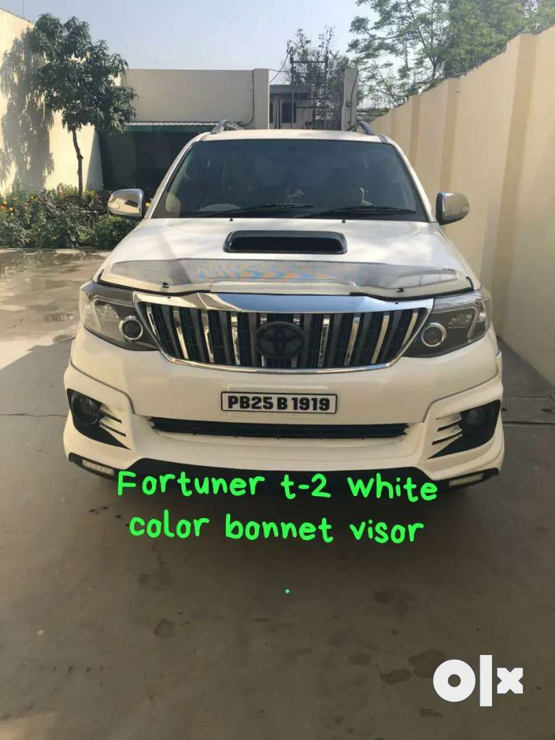 Innova Fortuner Isuzu Scorpio Pajero sport Bonnet visor 0