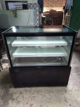 Cake Display Chiller (unbreakable glass)