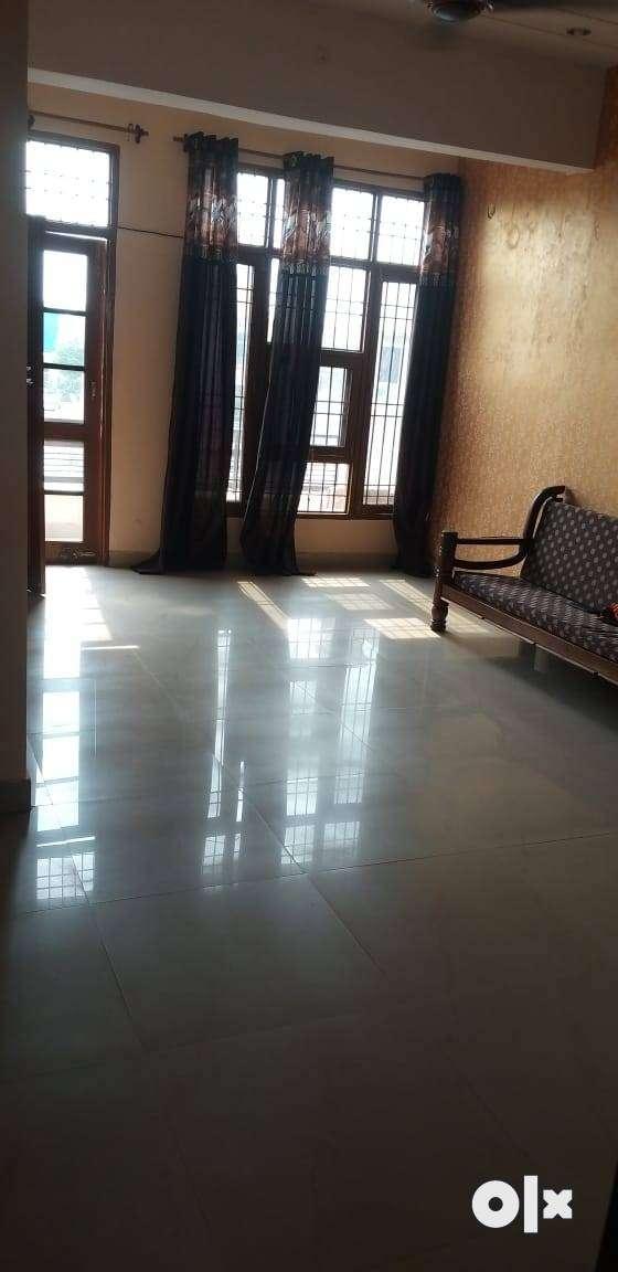 2bhk semi furnished flat on zirakpur