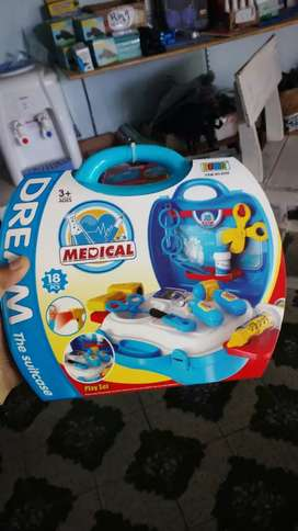 DREAM THE SUITCASE MEDICAL- MAINAN DOKTER SET