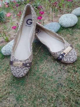 Guess Original pumps