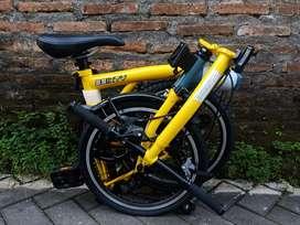 Ready lagi bosku sepeda lipat 3sixty black edition