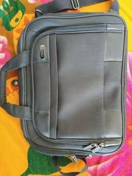 Laptop bag american tourister